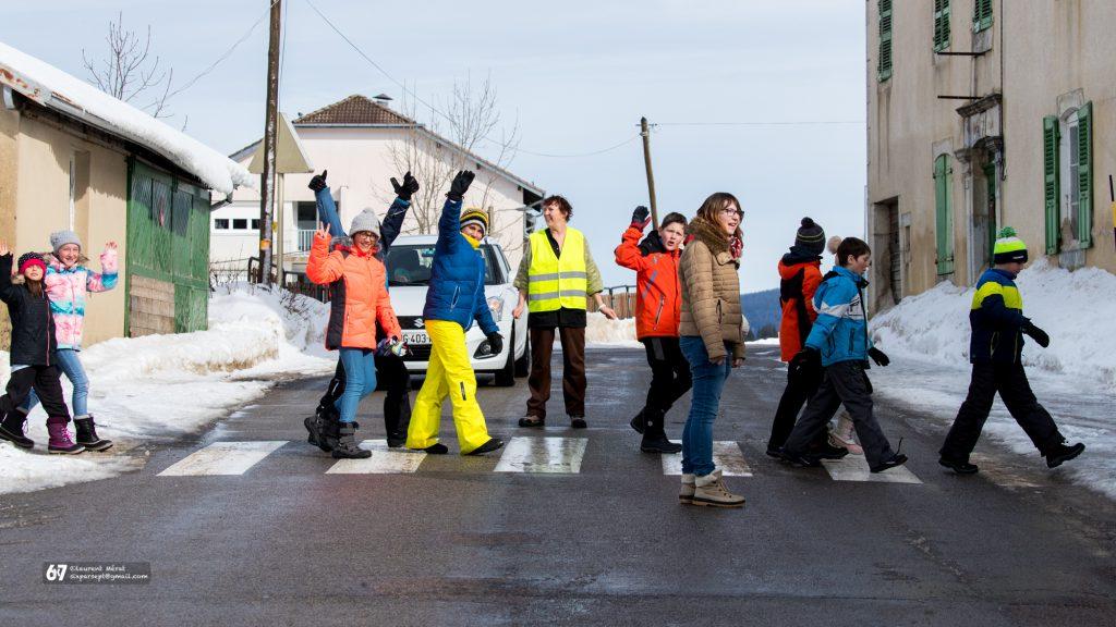 Coupure de la circulation au centre de Prémanon : Sécurisation de la sortie de l'école élémentaire de Prémanon